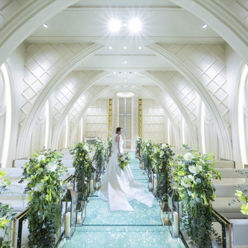 【ダイヤモンドのバージンロード】ガラスチャペル入場体験×水と緑の大階段フラワーシャワー&フルコース試食