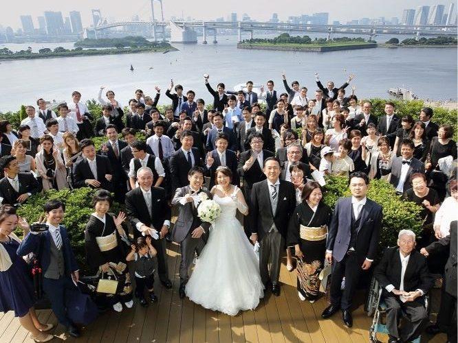 海×レインボーブリッジ×東京タワーをバックにして。